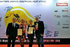 Od lewej: Waldemar Siwiński (prezes Fundacji Perspektywy), Katarzyna Myśliwiec (PB), Agnieszka Gierejkiewicz-Wróbel (PB), prof. Artur Krajewski. Wręczenie nagród w konkursie Genius Universitatis 2019