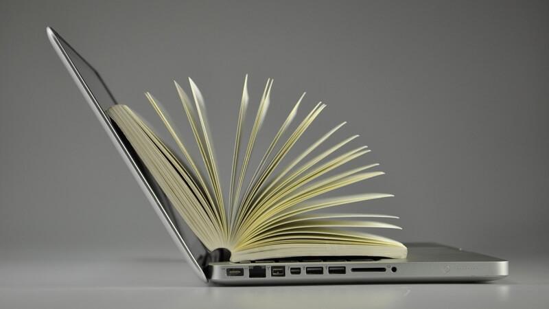 laptop-książka
