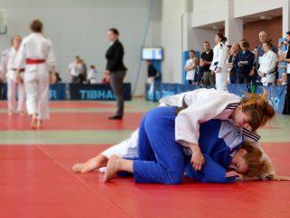 zawodniczki judo podczas walki