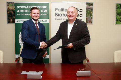 Rektor PB prof. Lech Dzienis oraz Prezes SAPB Mateusz Adaszczyk podpisali porozumienie o współpracy, 25 września 2018 r.