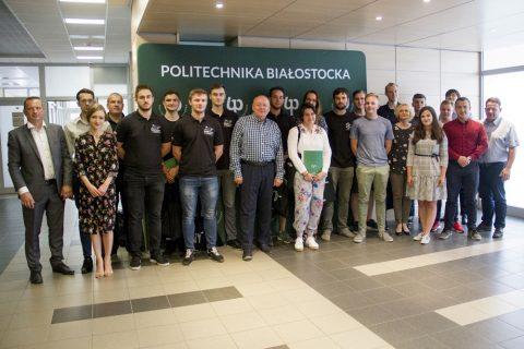 Rektor spotkał się ze zdolnymi studentami
