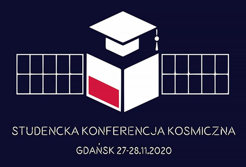na granatowym tle stylizowany graficznie obraz satelity z flagą Polski oraz biretem akademickim oraz napis: Studencka Konferencja Kosmiczna Gdańsk 27-28.11.2020