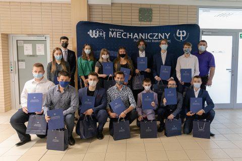Wręczenie dyplomów w konkursie EL-Robo-Mech 16.06.21, fot. G. Kościuk