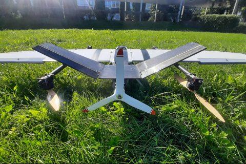 """""""CIETRZEW"""" latający robot wyposażony w funkcję pionowego startu i lądowania"""