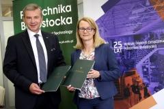 Dyplom MBA na Politechnice Białostockiej - podpisanie umowy
