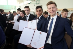 Dwudziestu uczniów LO PB ze stypendiami prezydenta Białegostoku