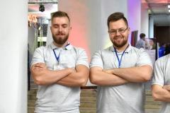 Od lewej: Jakub Czygier, Piotr Tomaszuk, stypendyści MNiSW za znaczące osiągnięcia na rok akademicki 2019/2020