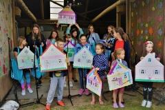 """Europejskie Dni Dziedzictwa w Socach w 2019 roku. Studenci WA zaprezentowali tu swój projekt """"Bogata w makatki drewniana chatka dziadka i babki"""""""