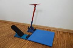 Prototyp urządzenia do ćwiczeń rotacyjnych stawu biodrowego. Zgłoszenie patentowe numer 420968