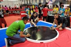 Zespół SumoMasters z Wydziału Mechanicznego PB na zawodach RobotChallenge w Chinach w 2019 roku. fot. z archiwum SumoMasters